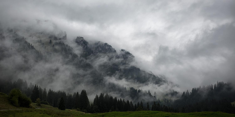Wolken an den Bergen