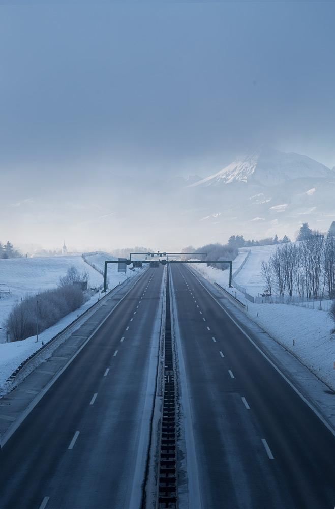 Moléson über der Autobahn